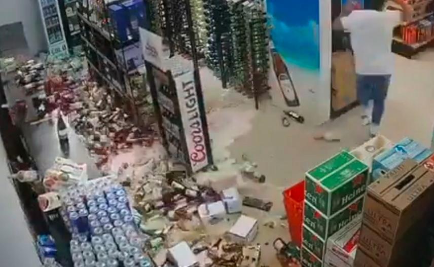 VIDEO VIRAL: pérdida total de cervezas por fuerte sismo en Islas Caimán ¡sorprendente!