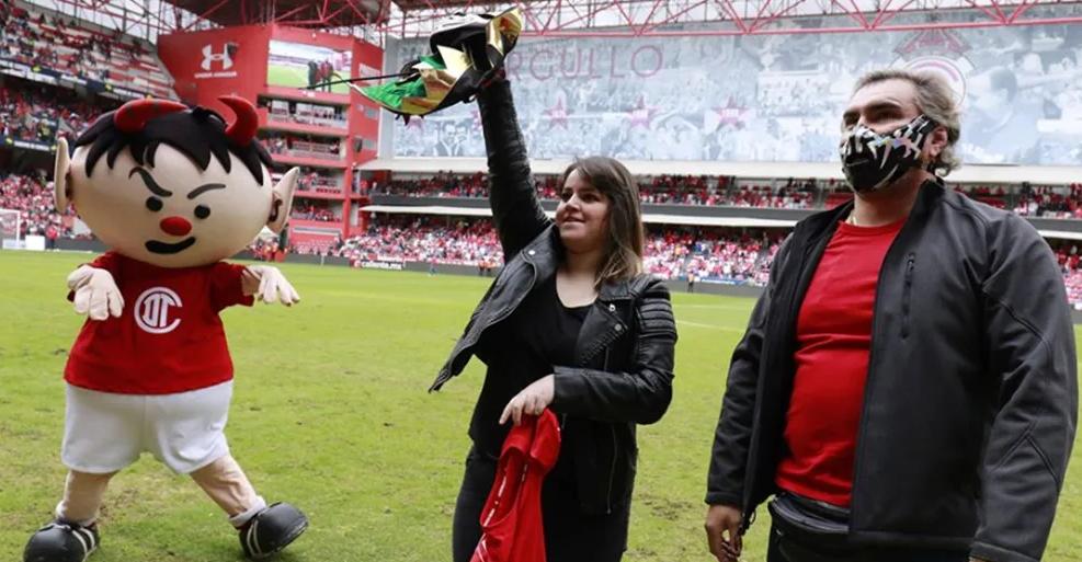 Diablos Rojos del Toluca rindieron gran homenaje a La Parka