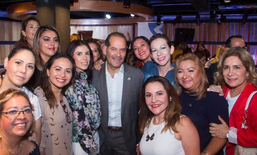 Gobernador de Aguascalientes respalda el movimiento #UnDíaSinMujeres