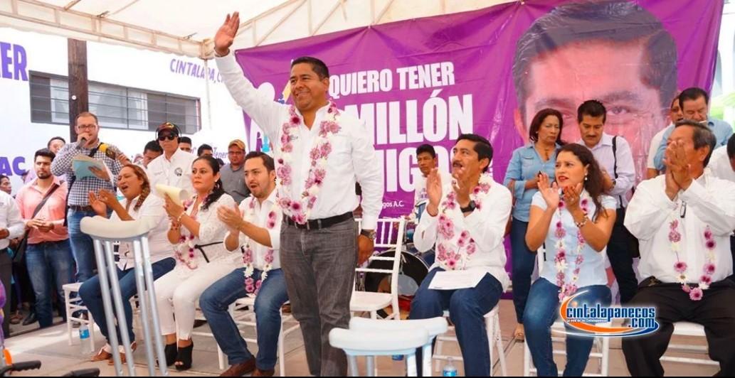 Alcalde de Chiapas se burla del paro nacional de mujeres y ofende a sus trabajadoras