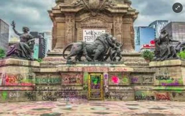 """Pide escultor a INBAL no restaurar su obra vandalizada por marcha """"feminista"""" 8 Marzo"""