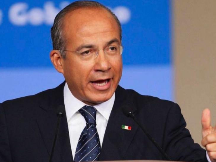 Felipe Calderón afirma que población de México es débil y las redes lo destrozan