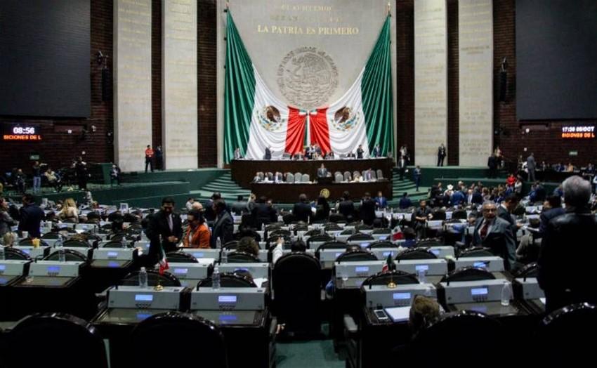 Cámara de Diputados destituye a funcionario acusado de acoso sexual