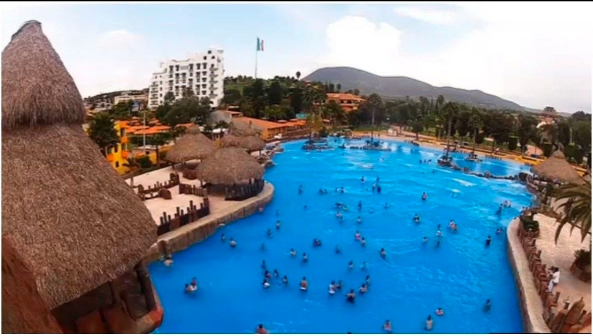 VIDEO: Brutal pelea en balneario de Hidalgo deja 3 muertos y 7 heridos