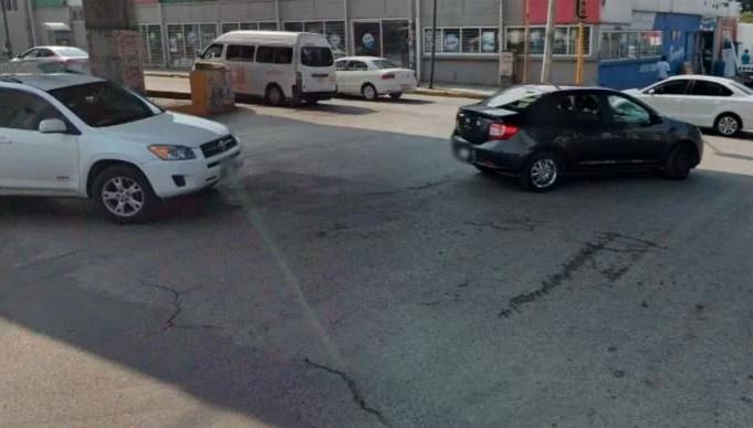 Sicarios asesinan de 20 balazos a un joven antes de subir a combi en Edomex