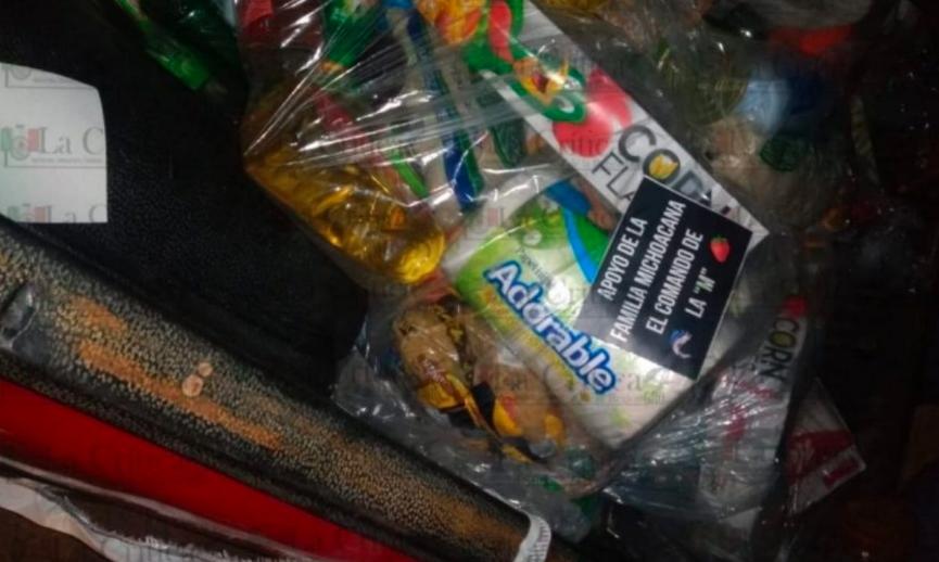 La Familia Michoacana también hace entrega de despensas ante el COVID-19