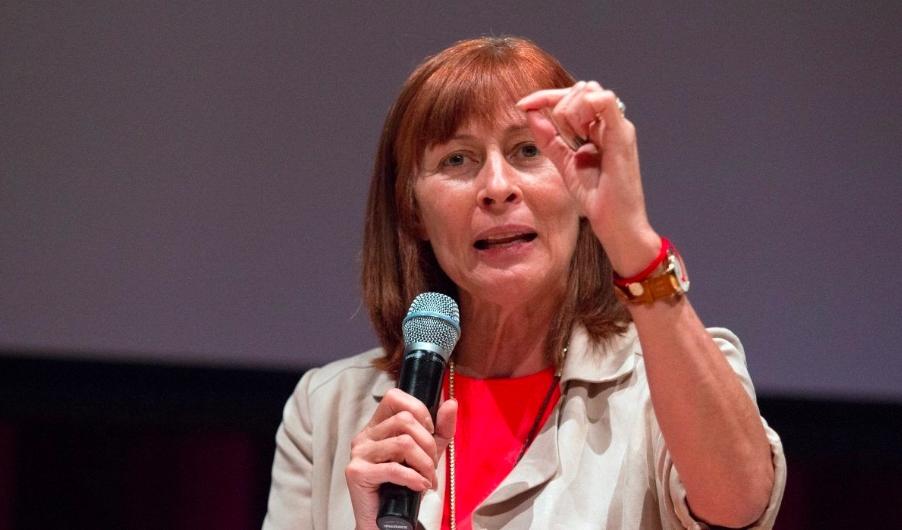 Tatiana Clouthier advierte sobre fraudes que dicen ser programas del Gobierno