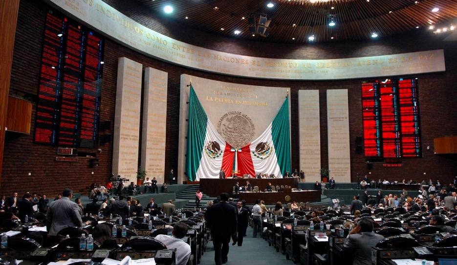 Felipe Calderón es alabado como una deidad en México ¿Qué hizo?