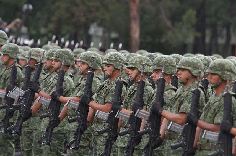 AMLO ordena a Fuerzas Armadas participar en acciones de seguridad pública