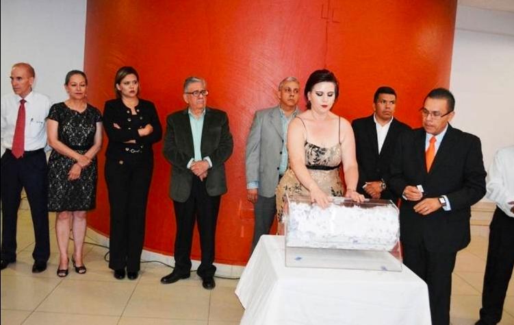 Gobierno de Chihuahua sorteará 4 AUTOS por el Día del Maestro