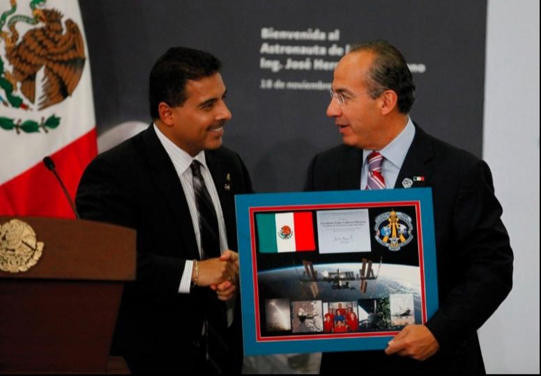 Felipe Calderón recuerda a José Hernández, el astronauta mexicano