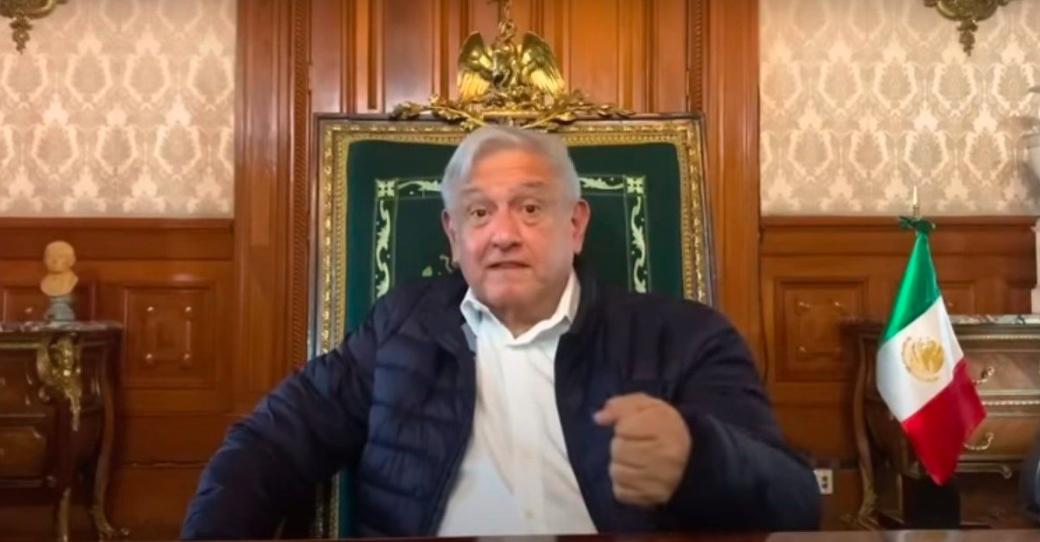 """AMLO mandó limpiar la silla presidencial por """"estar embrujada"""""""