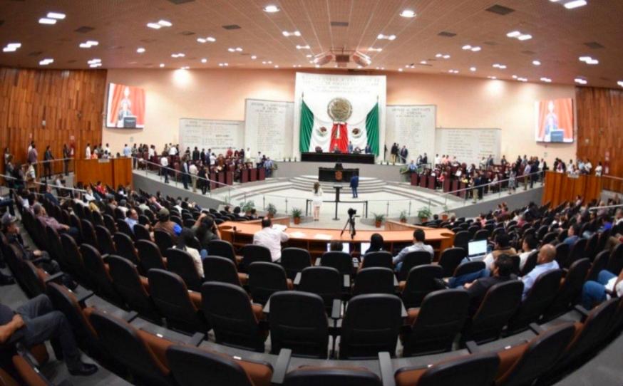 PRI, PAN y PRD se unen contra reforma electoral en Veracruz