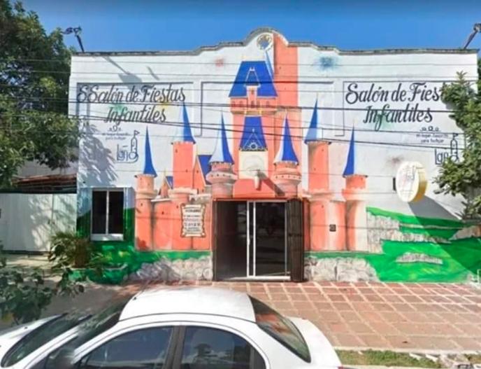 Disparan en cinco ocasiones contra salón de fiestas en Playa del Carmen