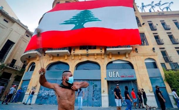 Dimite ministra libanesa tras explosión en Beirut