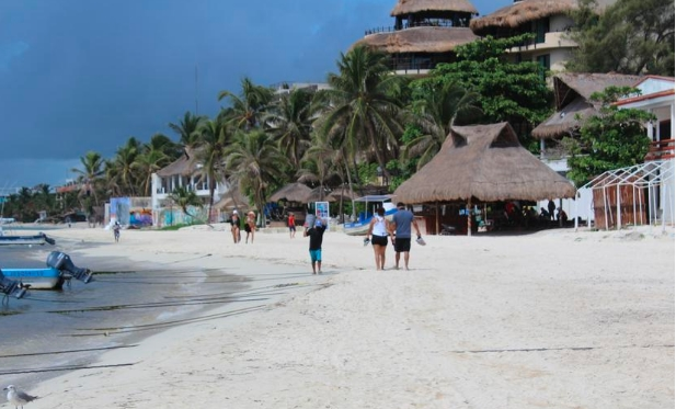 Estas son las tres playas de la Riviera Maya que abrirán este jueves