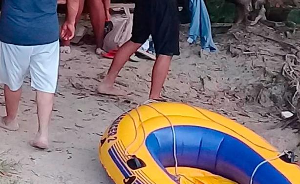Rescatan a bañistas de morir ahogados en Playa Del Carmen; un menor de edad entre ellos