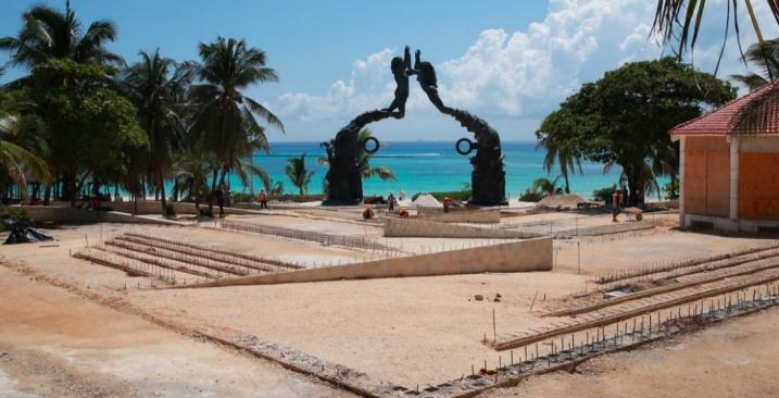 Transformación de la 5ta Avenida en Playa del Carmen no detiene su marcha