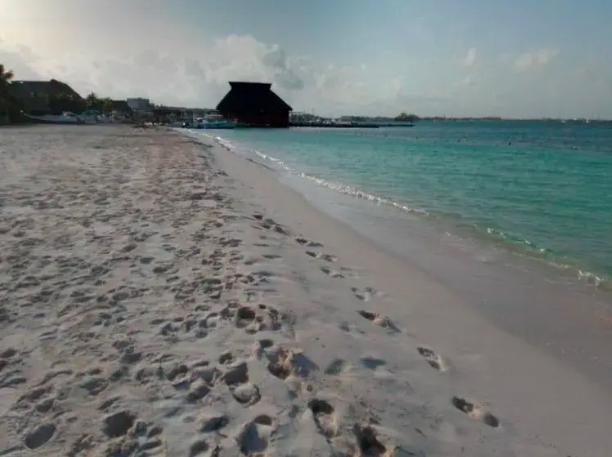 """""""Desnuda"""" Isla Mujeres protocolos para el acceso a las playas"""