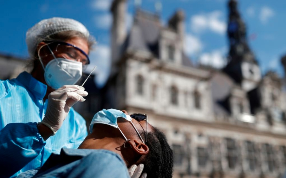 Casi 9 mil nuevos contagios de Covid-19 en Francia; nuevo récord desde inicio de pandemia