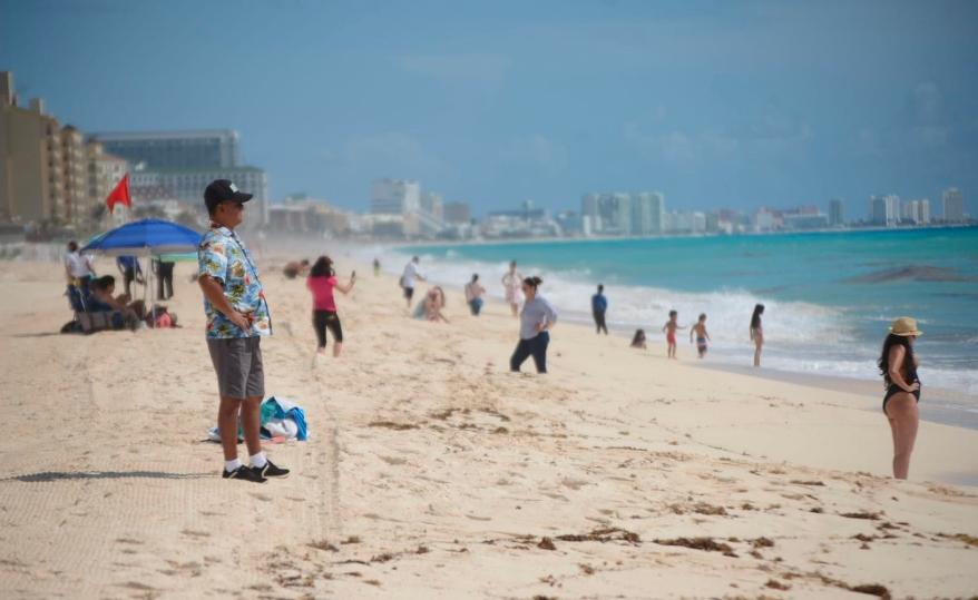 No se han entregado playas a particulares, afirma AMLO; habla de Playa del Carmen