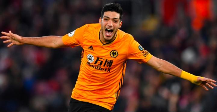 Raúl Jiménez renueva con los Wolves hasta el 2024