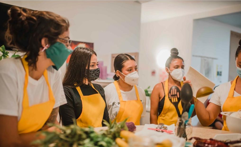"""Casa Animal imparte programa """"Justa Cocina"""" en Playa del Carmen"""