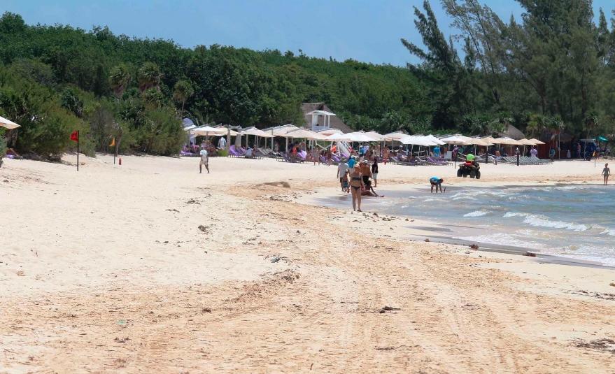 Playa del Carmen: Desisten de trámite para recuperación de playa frente a hotel