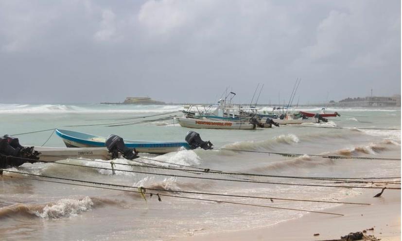 Cierre de puerto suspende actividades de servicios acuáticos en Playa del Carmen