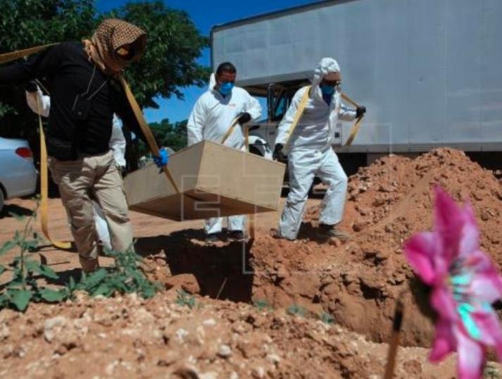 Panteón de Acapulco repleto de víctimas de coronavirus