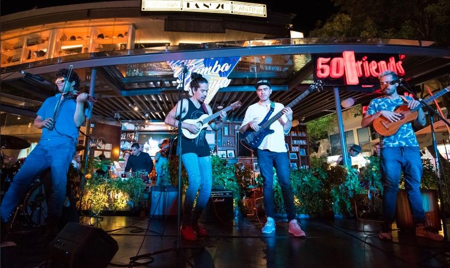 Celebran reducción de impuestos aplicados a artistas de Playa del Carmen