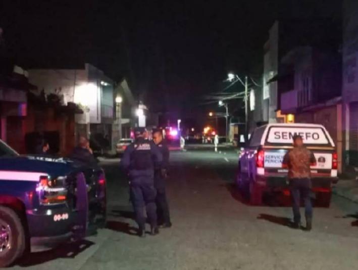Ataque armado en bar de Uruapan, deja dos muertos y 16 lesionados