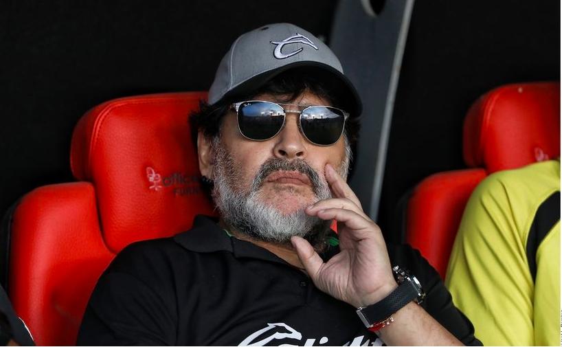 Argentina: Le diagnostican un coágulo en la cabeza a Maradona y tendrá que ser operado