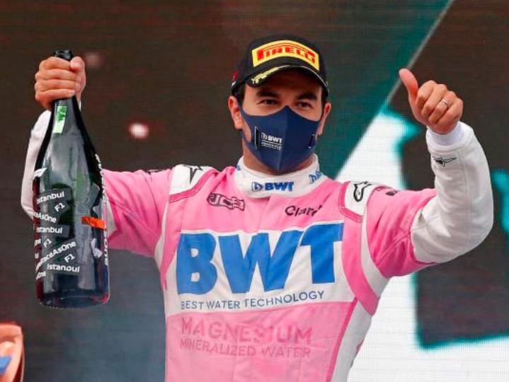 """""""Checo"""" Pérez sube al podio en el Gran Premio de Turquía"""