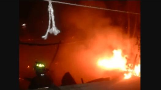 Niños con pirotecnia queman vivienda en Playa del Carmen
