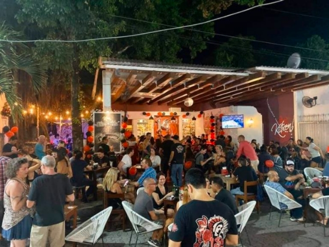 "NO DEJEN QUE…: Anuncian cierre de bar ""Kitxen"" de Saúl Hernández en la Quinta Avenida"