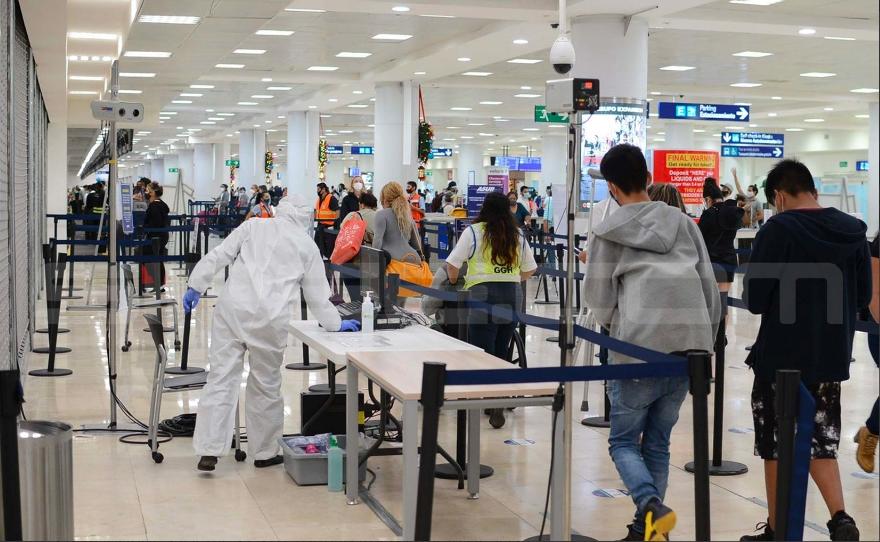 Suspensión de vuelos entre Cancún y Londres por nueva cepa COVID, sólo con orden federal