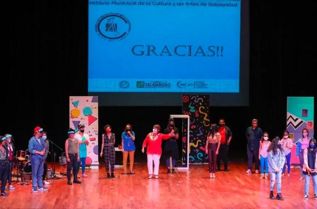 Laura Beristain encabeza graduación de alumnos de la Escuela Municipal de Iniciación Artística