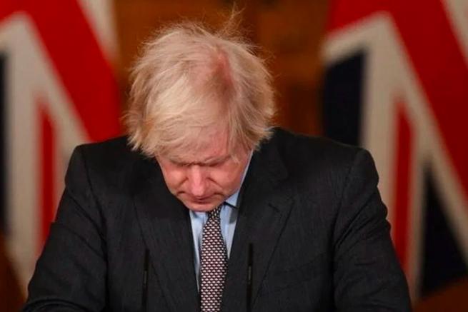 Boris Johnson asume total responsabilidad de muertes por COVID-19 en el Reino Unido