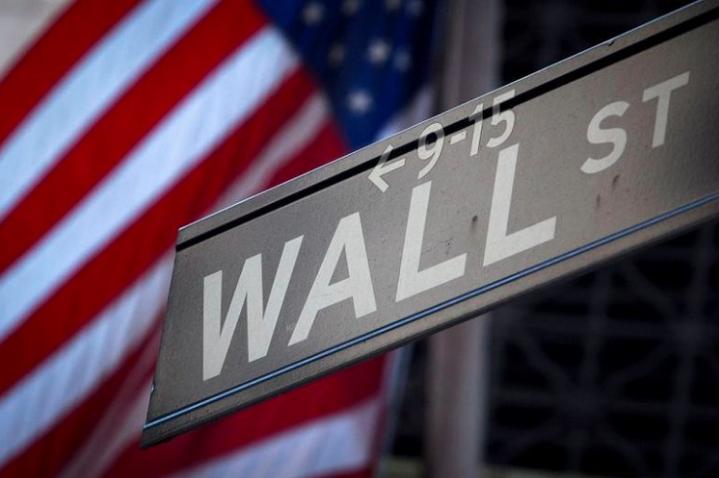 Wall Street abre en baja ante cautela por resultados de empresas