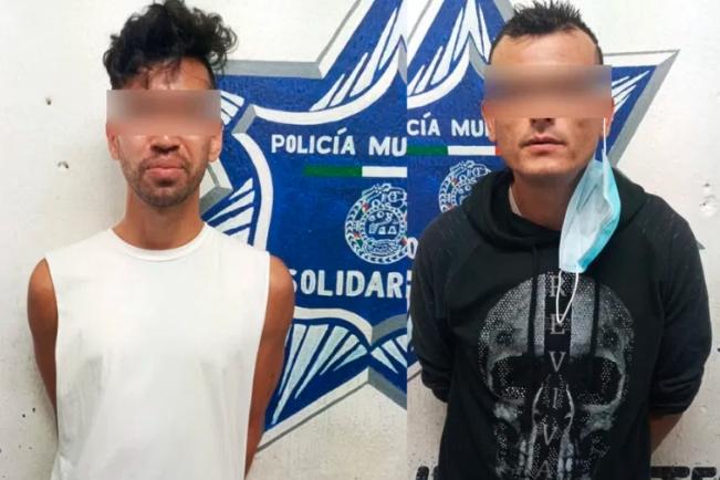 Detienen a extranjero y mexicano durante transacción de droga en Playa del Carmen