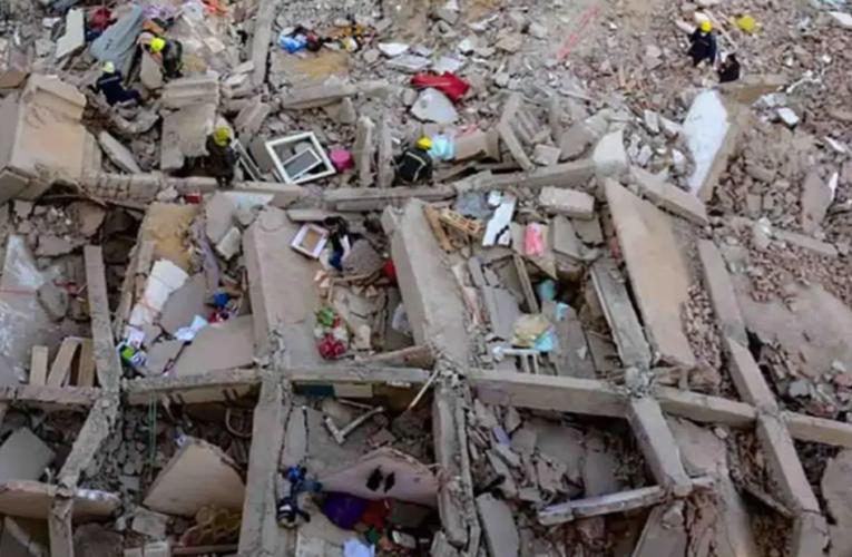 Mueren 18 personas tras derrumbe de edificio en El Cairo
