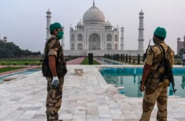 Evacuan Taj Mahal por amenaza de bomba