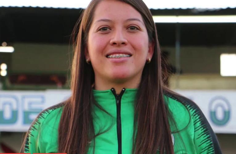 Ana María Zavala, entrenadora, rompe muros en el fútbol varonil