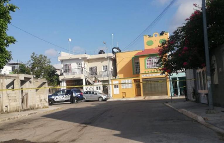 Descubre a su yerno colgado del segundo nivel de su casa en Playa del Carmen
