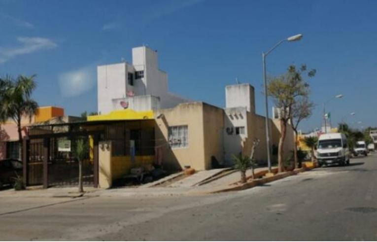 Nuevamente dejan sin luz a vecinos de Villas del Sol en Playa del Carmen