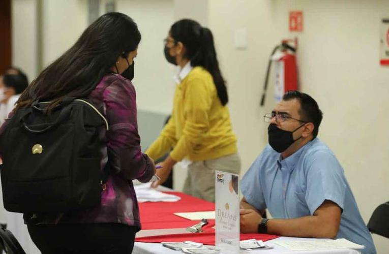 Oferta la CROC más de 2 mil 800 vacantes en Playa del Carmen