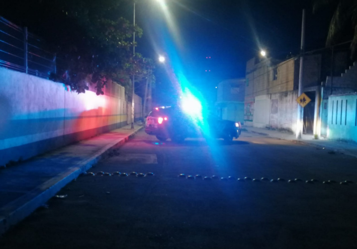 Abandonan taxi con impactos de bala en Playa del Carmen