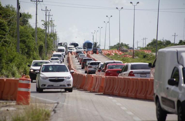 En un mes habrá vía alterna para aliviar tráfico por socavón en la Cancún-Playa