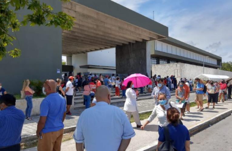 Buena asistencia en primera jornada de vacunación para 40 años o más en Playa del Carmen